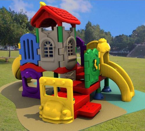 Casa moderna roma italy giochi da esterno - Altalene bambini per esterno ...